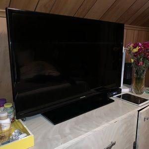 """34"""" HD TV"""